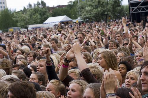 Musikfestivals und Brustimplantate – passt das zusammen?